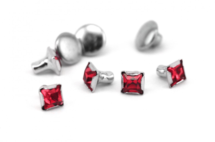 Czech Crystal Snap Rivets<br>Ruby<br>Square Shape, 5 pack